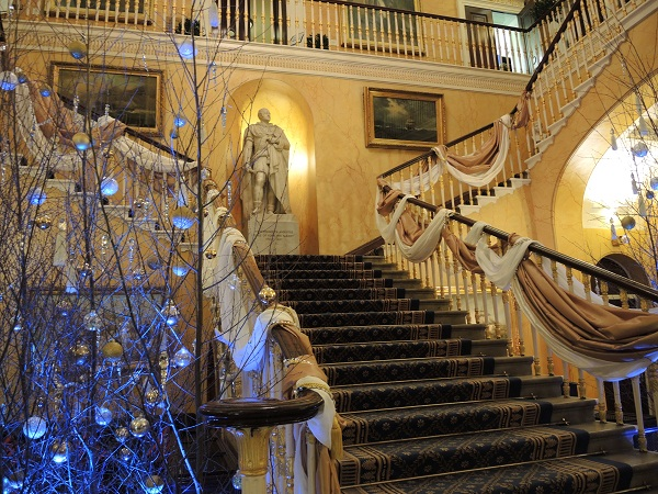 The Grand Staircase staircase at 116 Pall Mall