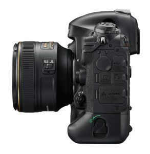 Nikon-D4S-Side