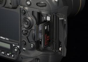 Nikon-D4S-memory-slots