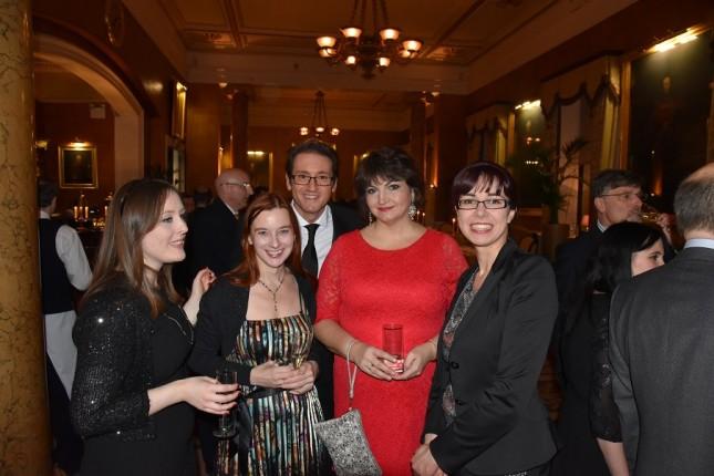 Nikon Owner Magazine's Christmas Dinner: Caroline Nolan, Katrin Ruckert, Raffi Silvanian, Tara Gibson, Sarah Eicker