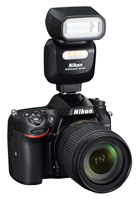 Nikon-D7200-DSLR-with-speedlight